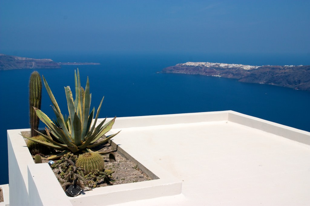 What a view ... blue skies - white buildings in Santorini