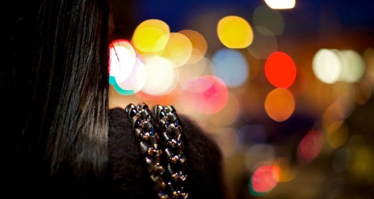 south yarra - look over girls shoulder - bokeh lights photography