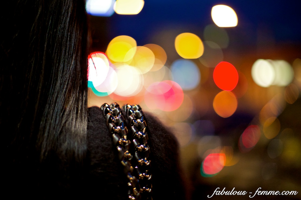 south yarra - look over girls shoulder - bokeh lights photography