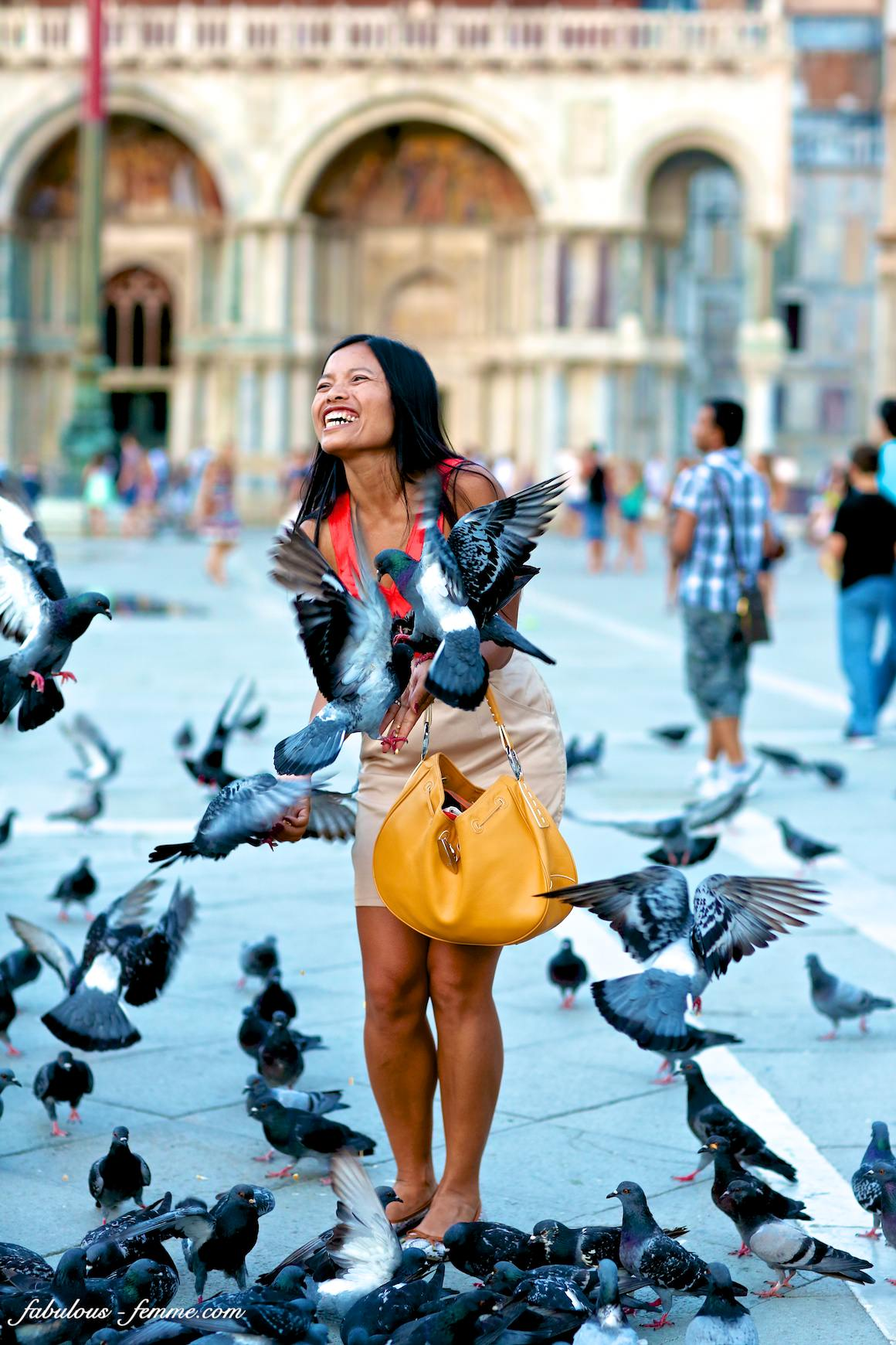 pigeons attack fashion blogger from australia