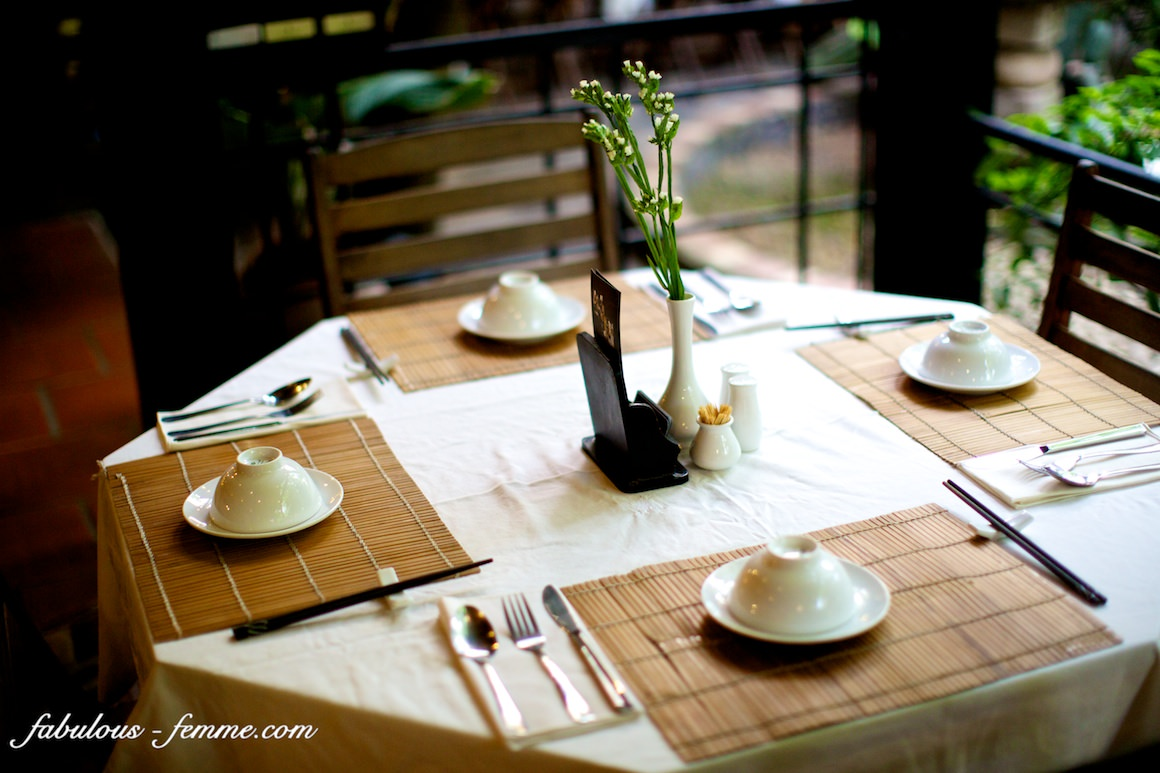 table setting at secret garden