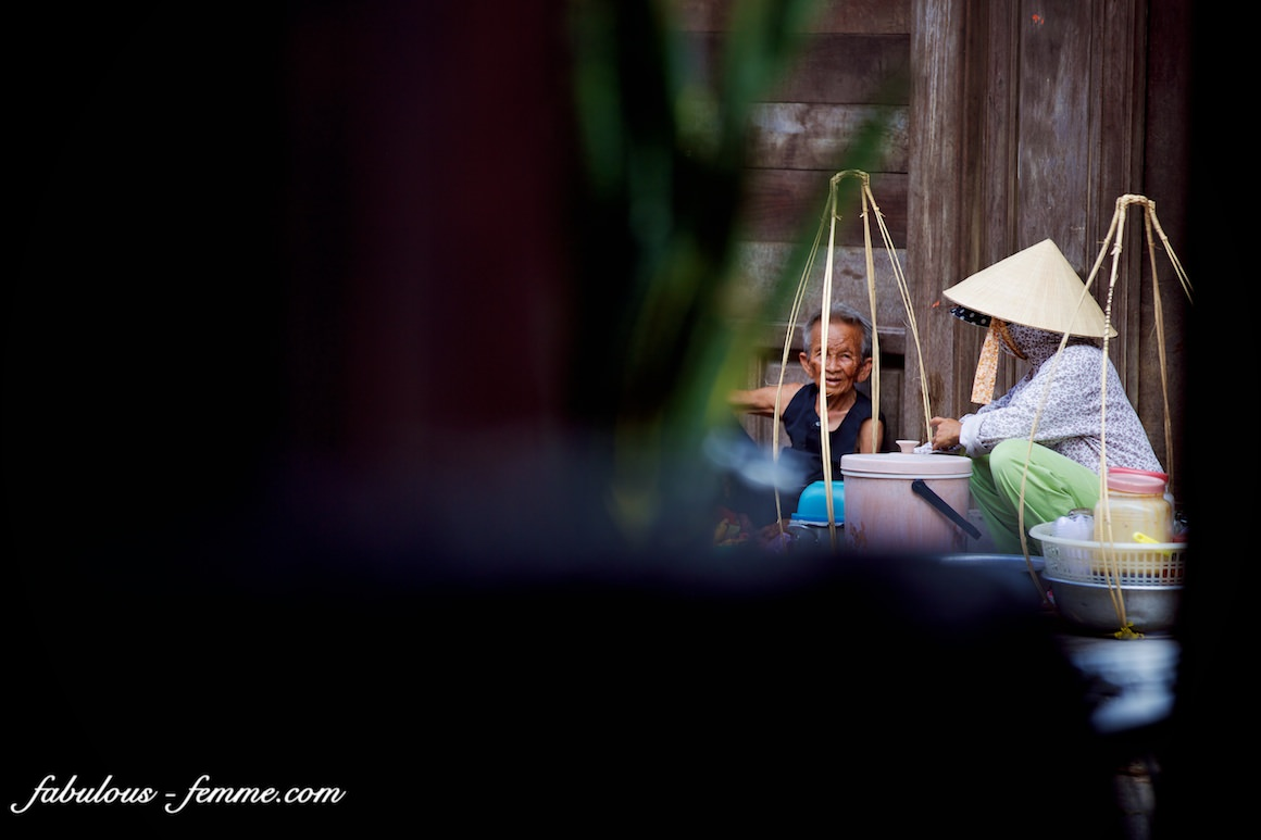street scence in hoi an vietnam