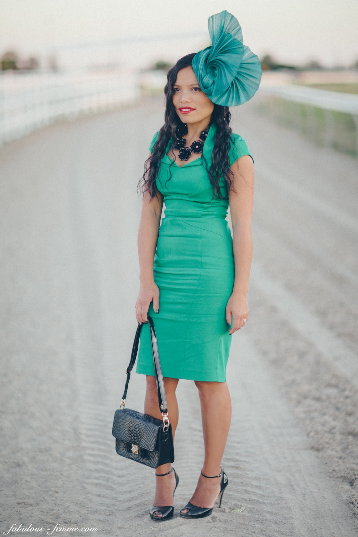 horse racing outfits for racegoers