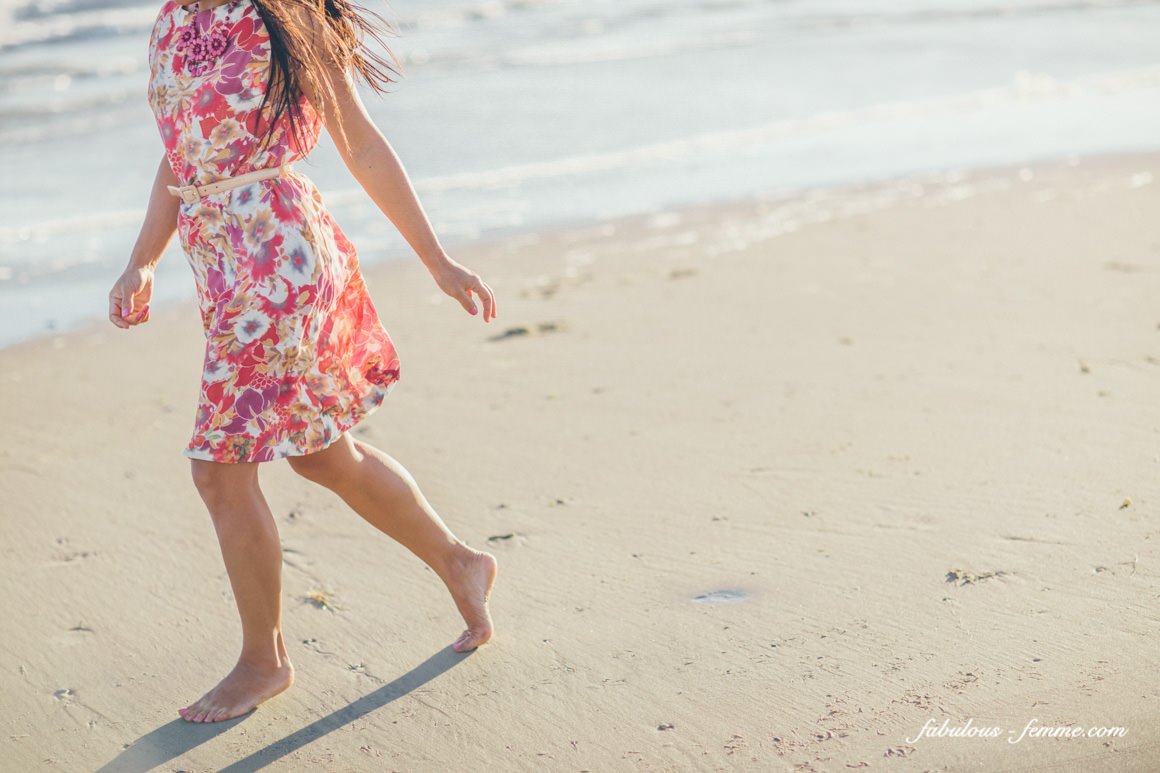girl running on beach - photoshoot melbourne