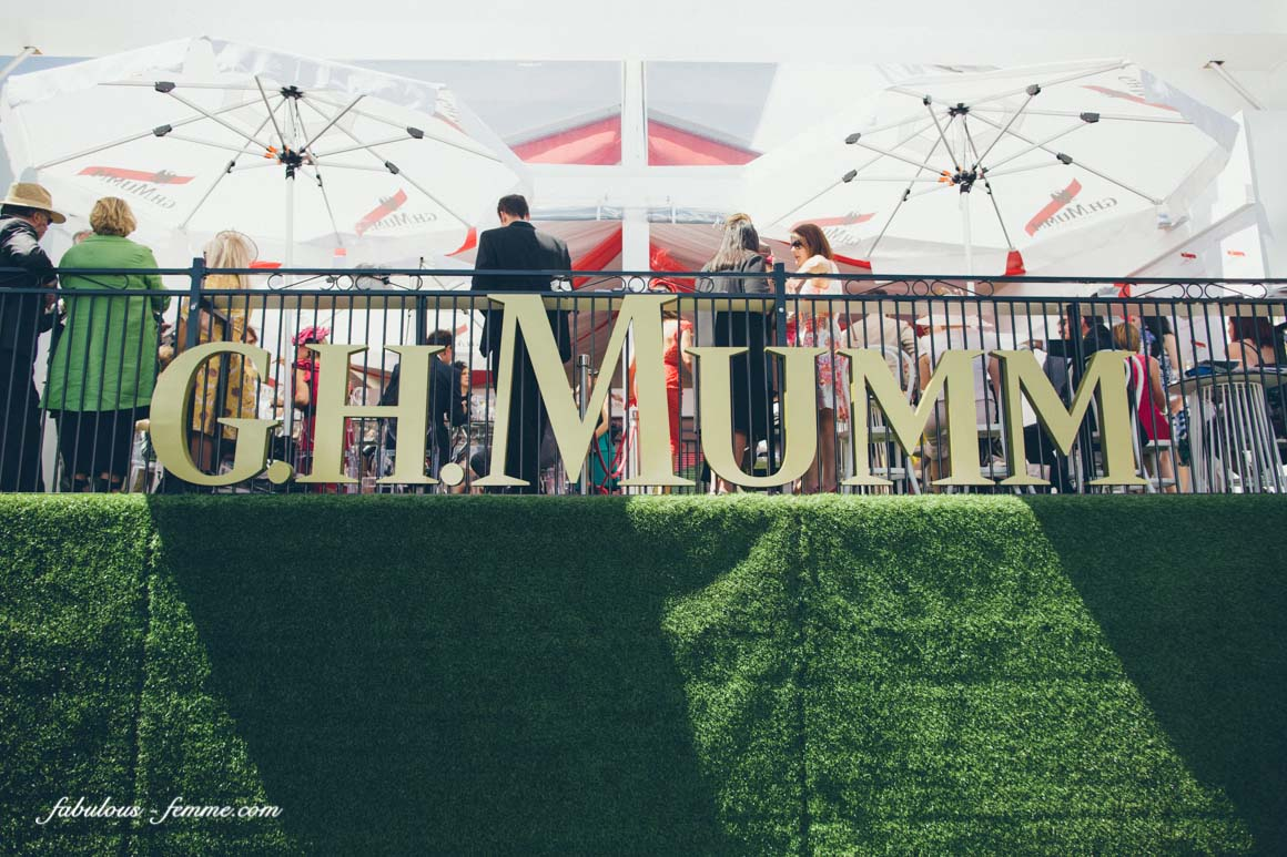 mumm balcony - sunshine at the cup