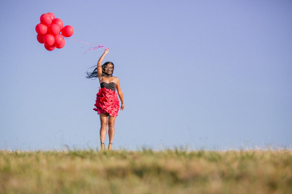 Melbourne Fashion and Lifestyle Blog - Balloon Photo of Melbourne Blogger