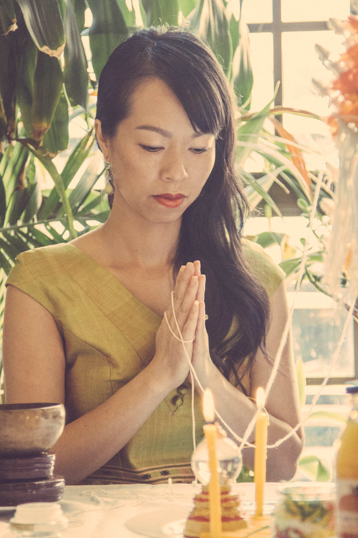 lao girl praying