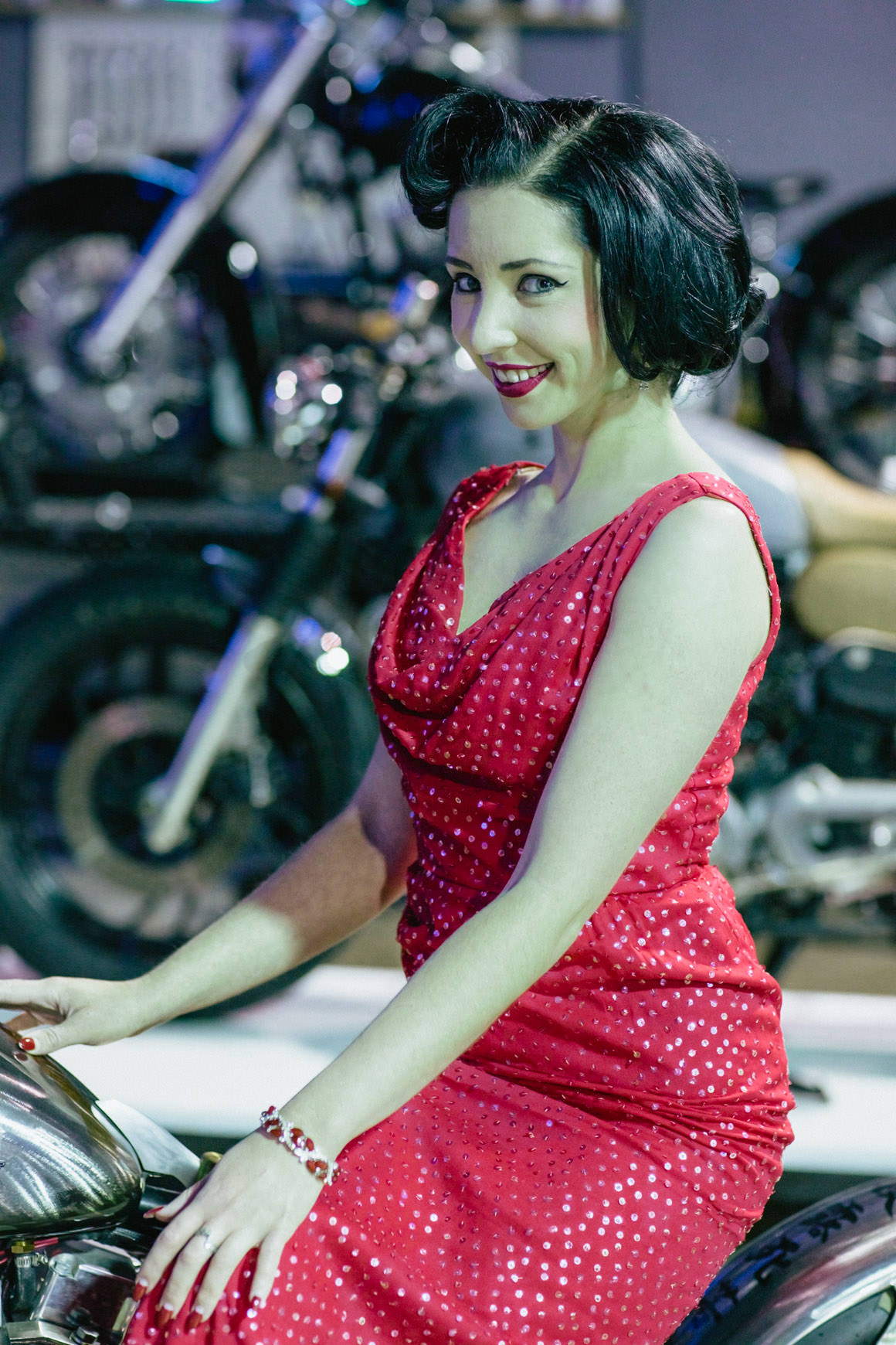 gasolina-vintage-bikes-girl