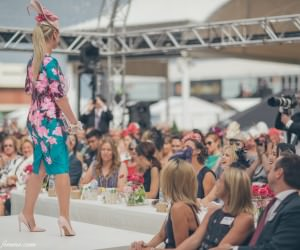 caulfield races - fashion competition