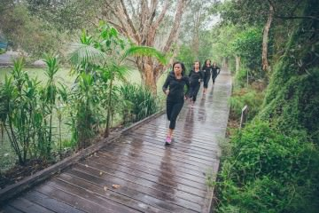 winter fitness challenge - running and stay fit through winter in my jeans west active wear