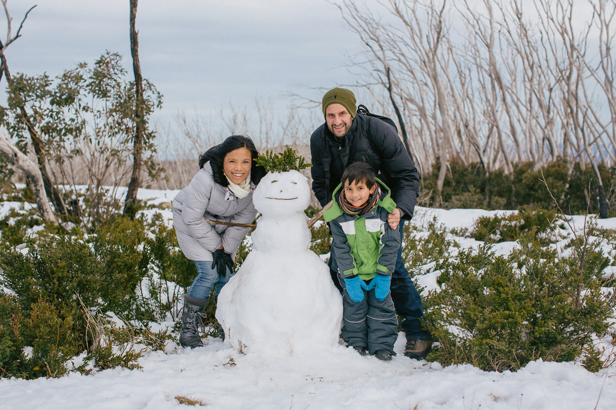 family trips to the snow from Melbourne - build a snowman