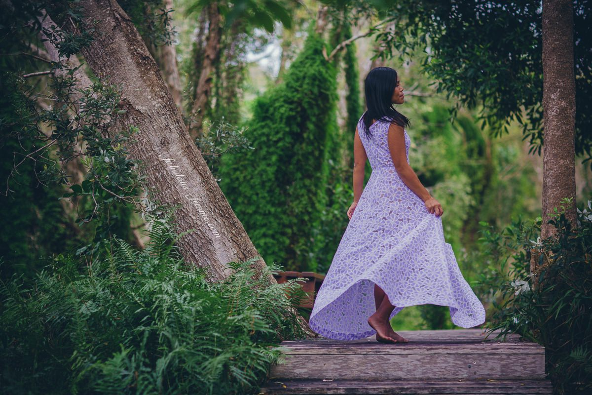floaty dress - nature photoshoot - fashion and travel blog - the byron in byron bay - luxury hotel