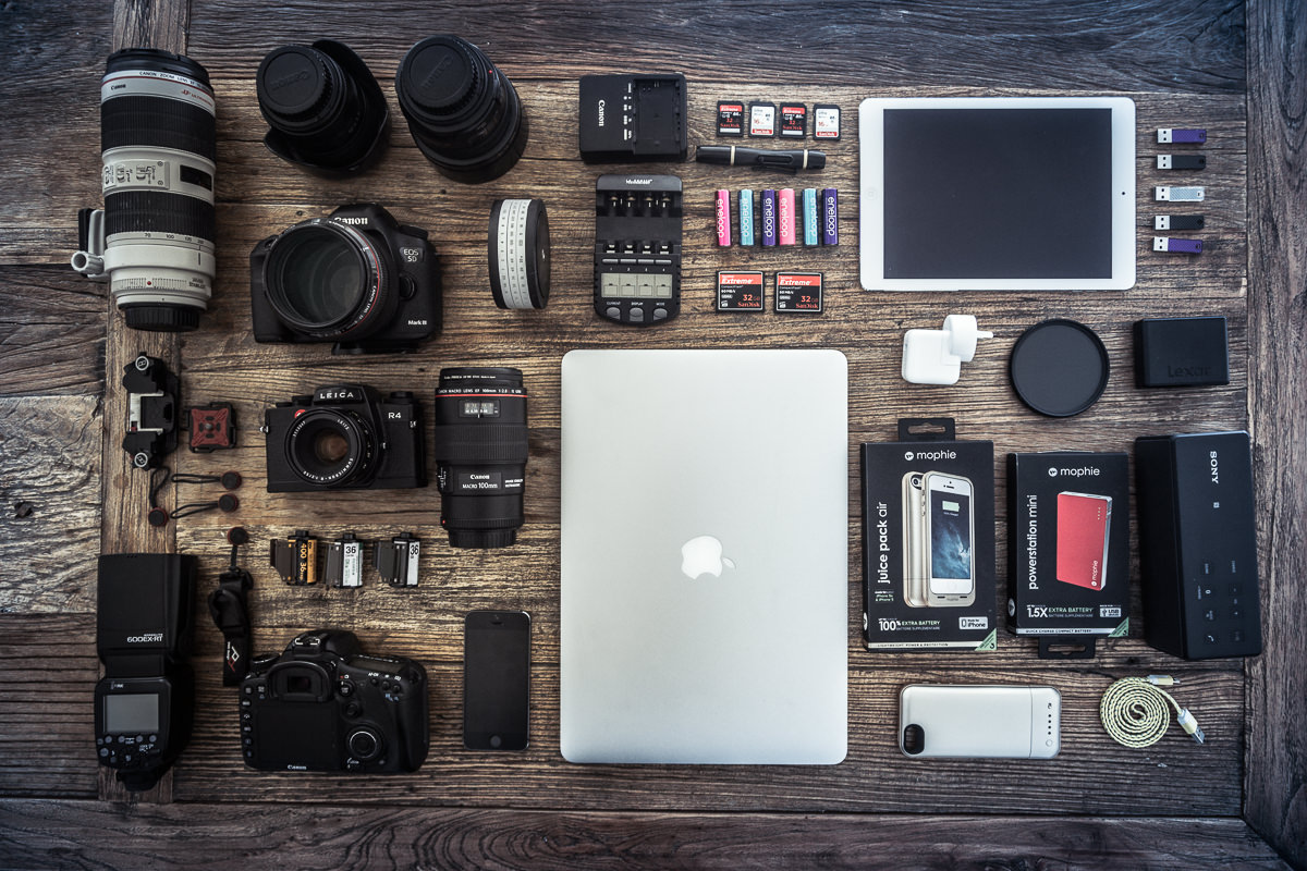 My travel technology - flatlay MAC iPad iPhone Charger Lenses Leica Canon Morphie SD Cards Compact Flash