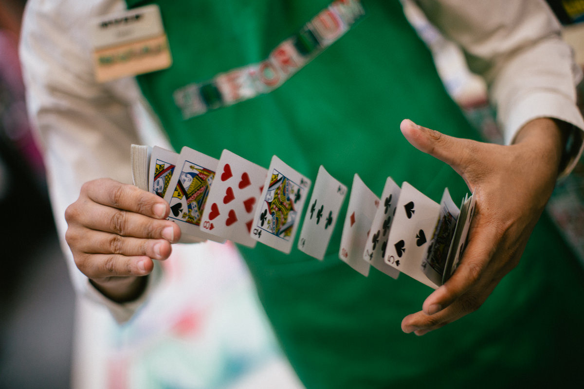 cards magician