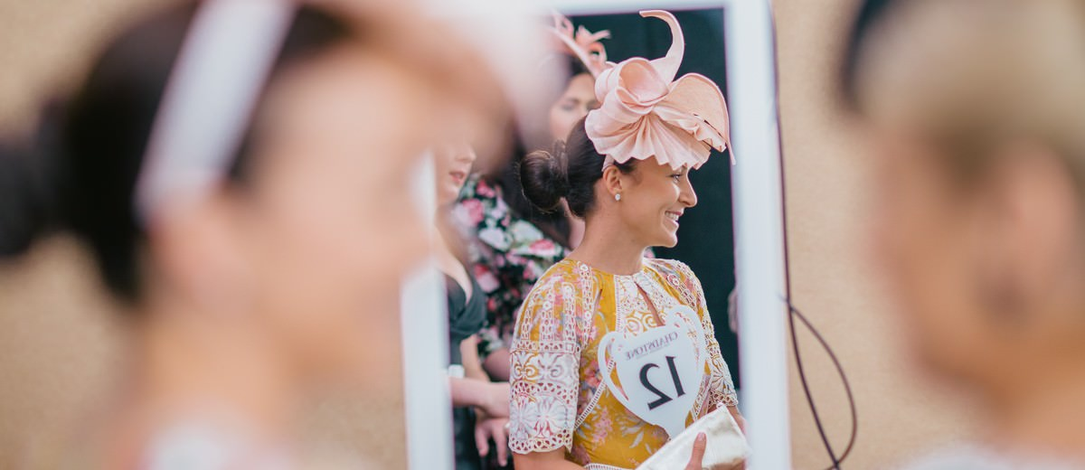 waiting for the winner - fashions on the field in melbourne 2015