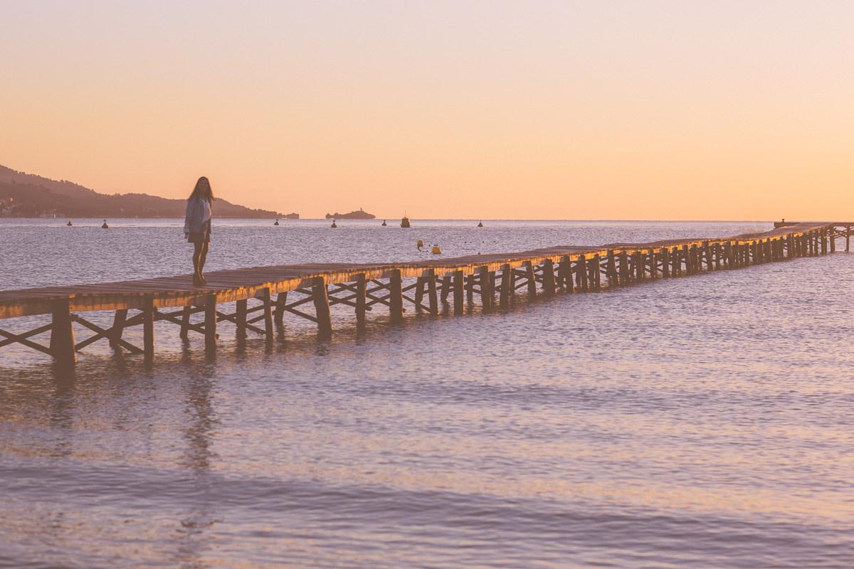 sunset - Summer style in Melbourne - We love luxury summer fashion