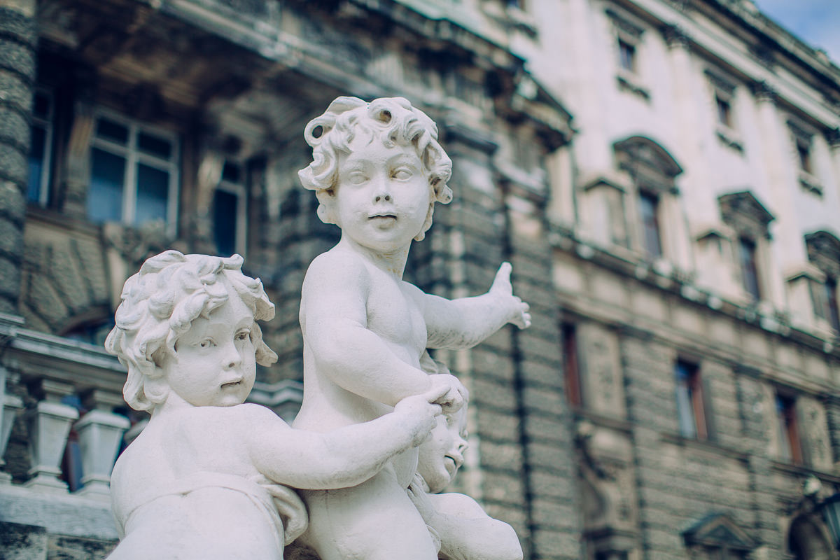 luxury statues in vienna