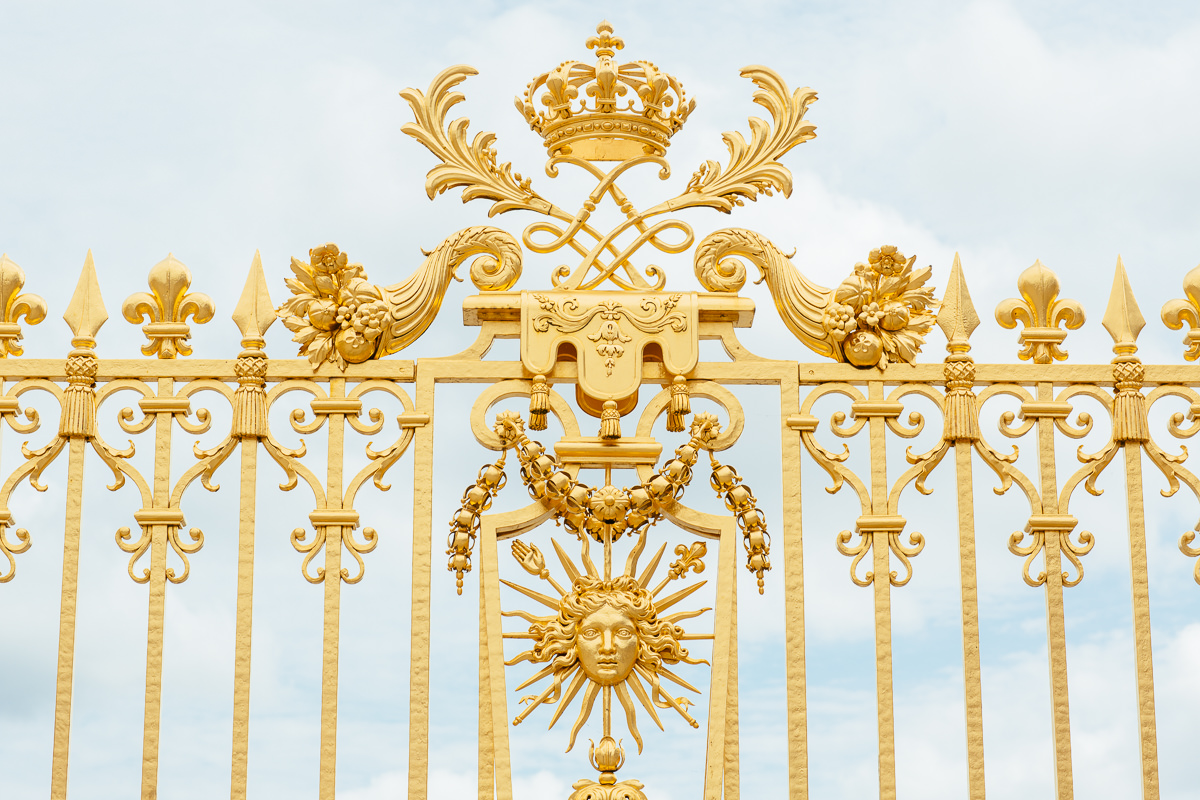 gold gate in versailles - luxury travel
