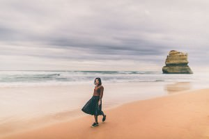 Walking at the beach at the Gibson Steps close to the 12 Apostel at the Greeat Ocean Road - Weekend Escape from Melbourne