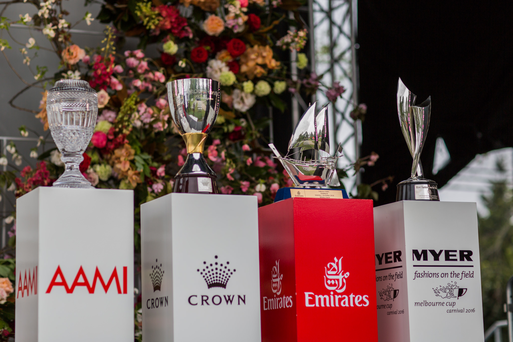 emirates melbourne cup trophy