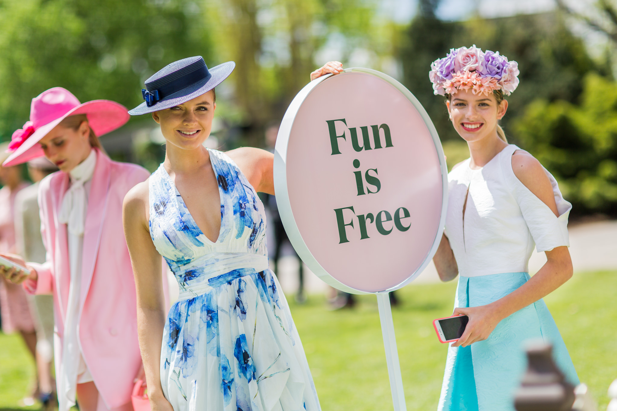 fun is free - melbourne cup fashion models