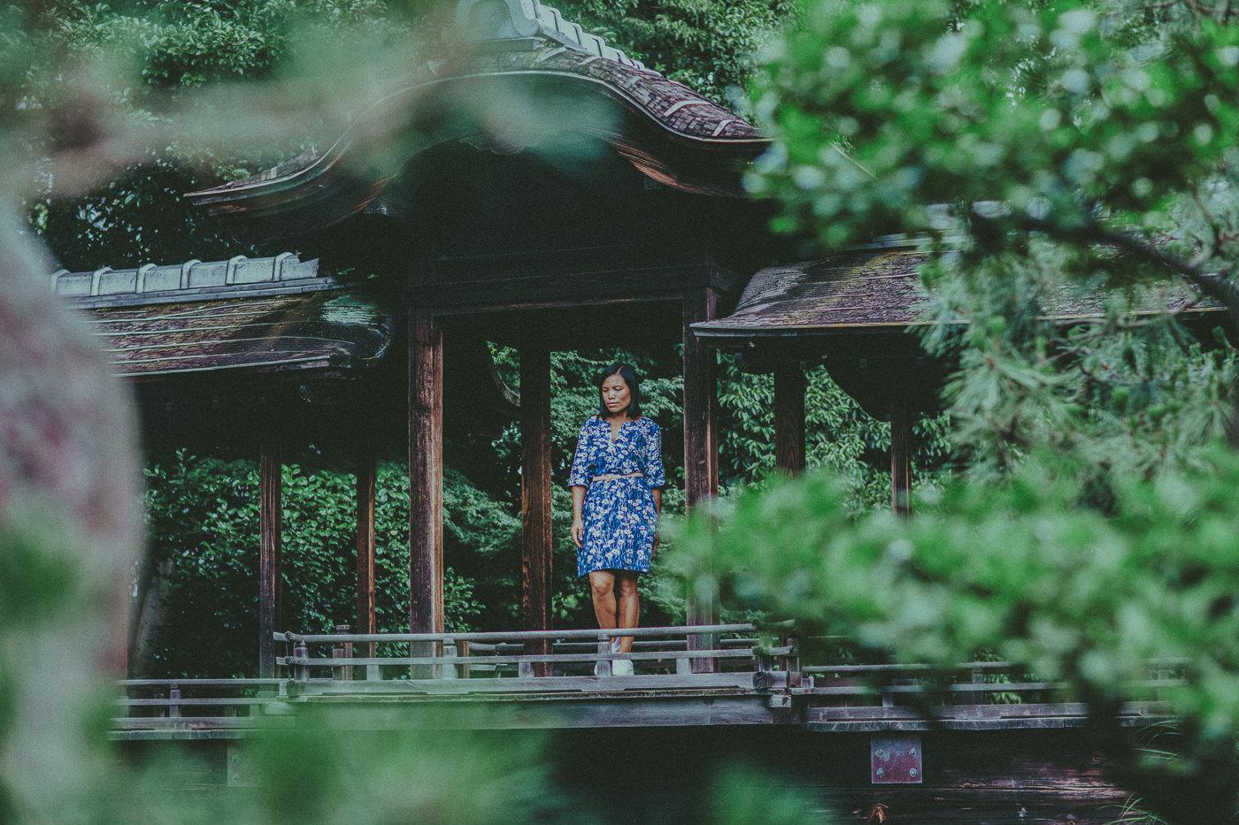 asian girl in gardens - melbourne blogger