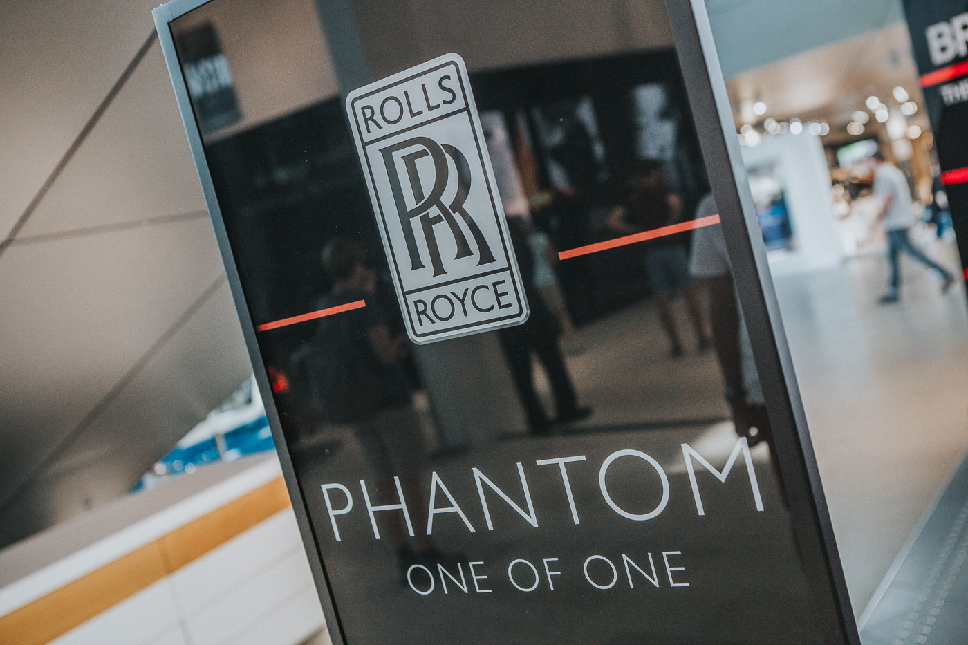 Rolls Royce Phamtom Logo - High End cars