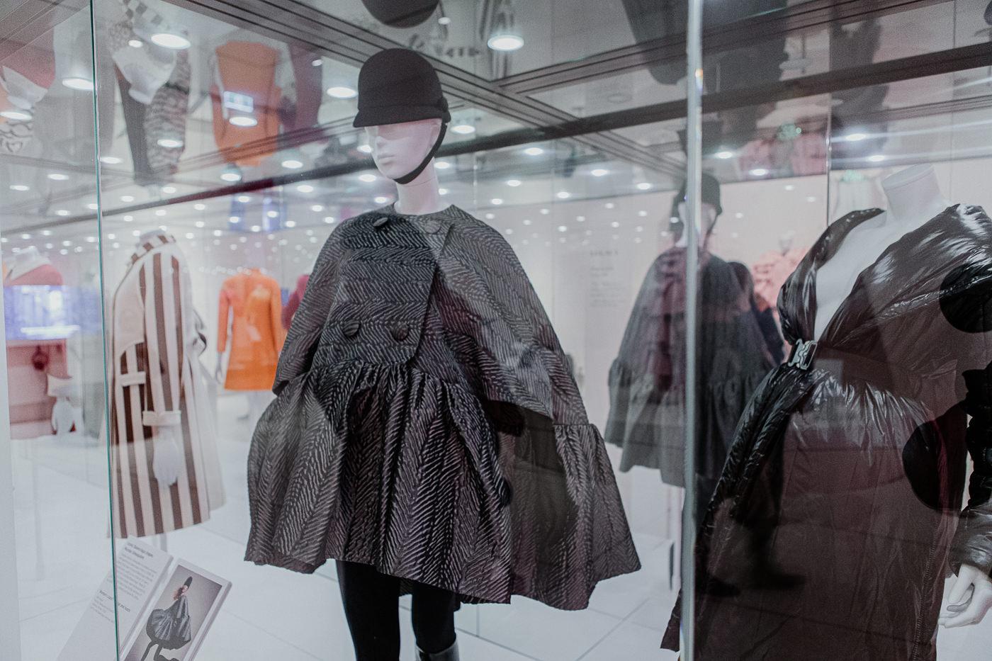 black balenciaga outfit