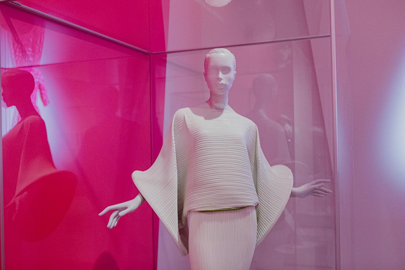 balenciaga-inspired outfit