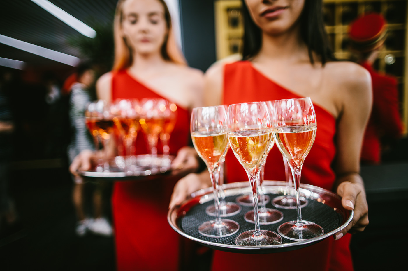 serving champagne mumm