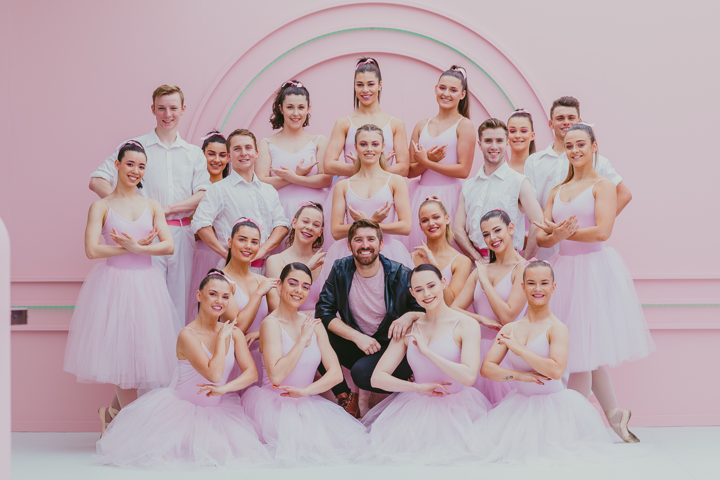 20-ballerina troop from Ministry of Entertainment closed out the launch